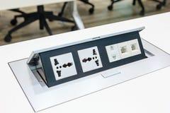 Steckdose mit Doppel3 stecken, Telefonsteckfassungsstecker und Netzstecker fest Stockfotografie