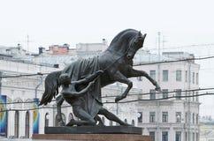 Stedelijk beeldhouwwerk op de brug Royalty-vrije Stock Fotografie