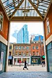Stedelijke contrasten in Shoreditch-district, Londen Royalty-vrije Stock Foto's