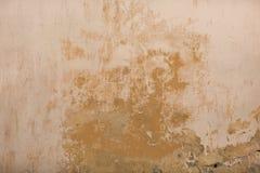 Stedelijke grungeachtergrond van oude beige muur Textuur stock foto's