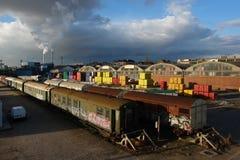 Stedelijke landschapsspoorweg en fabriek Stock Foto