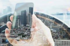 Stedelijke levensstijl en communicatietechnologie Stock Foto