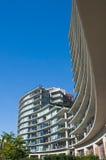 Stedelijke mening - flat of flatgebouw royalty-vrije stock afbeelding