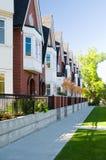 Stedelijke mening - huizen in de stad of flats stock foto's