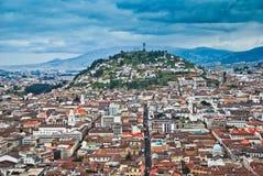 Stedelijke mening van Quito Stock Foto's