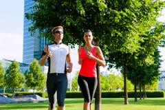 Stedelijke sporten - fitness in de stad Stock Afbeelding