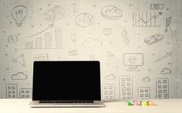 Stedelijke verkoopgrafieken en laptop op bureau Stock Foto's