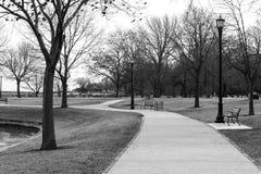 Steeg in een park stock fotografie
