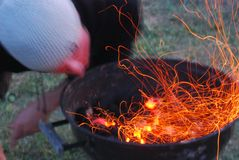 Steek de grill aan Royalty-vrije Stock Fotografie