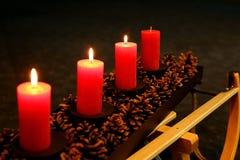 Steek de kaarsen in de komst aan stock fotografie