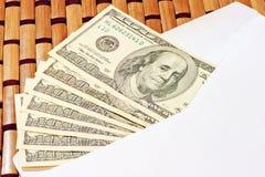 Steekpenning van 100 dollarsrekeningen Stock Fotografie