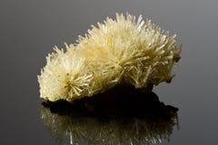 Steekproef van gipskristallen. Stock Foto