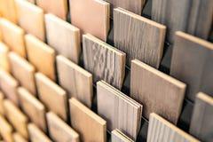 Steekproef van houten gelamineerd vernisjemateriaal royalty-vrije stock fotografie