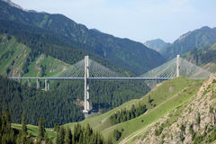 Steel bridge in the mountains Royalty Free Stock Images