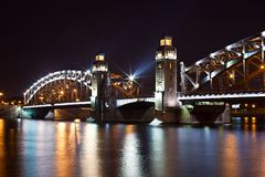 Steel bridge at night Royalty Free Stock Photography