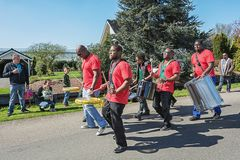 Steelband mante distraído os visitantes do evento Foto de Stock Royalty Free