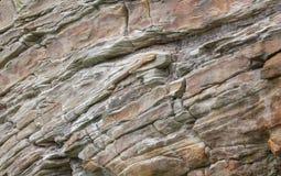 Steen Cliff Backround With Rocks en Lagen Stock Afbeeldingen