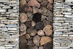 Steen en houten achtergrond stock afbeeldingen