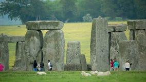 Steen henge monolithische stenen Engeland stock footage