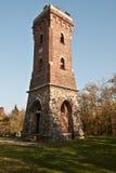 Steenachtig vooruitzicht Julius-Mosen-Turm boven Pohl-dam dichtbij Plauen-stad in Saksen Royalty-vrije Stock Foto's