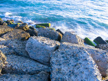 Steenachtige strandboulevard stock afbeelding