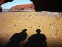 Steenbogen bij Legzira-strand Stock Afbeeldingen