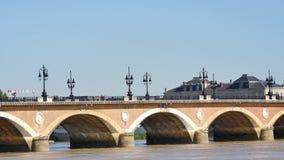 Steenbrug in Bordeaux, Frankrijk stock videobeelden