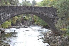Steenbrug in Invermoriston in de Hooglanden Royalty-vrije Stock Afbeelding