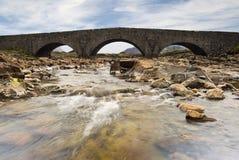Steenbrug, Sligachan, Eiland van Skye, Schotland Royalty-vrije Stock Afbeeldingen