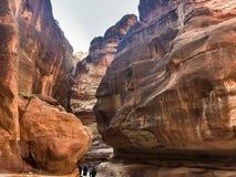 steengalerij aan de verborgen stad van Petra, Jordanië De Plaats van de Erfenis van de Wereld van Unesco royalty-vrije stock foto