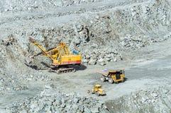 Steengroevemijnbouw van asbest, Oeralgebergte, Rusland Stock Fotografie