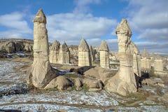 Steenkolommen in Gorcelid-Vallei in Cappadocia, Turkije Royalty-vrije Stock Foto