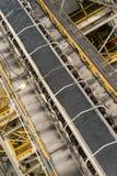 Steenkool op transportbanden Stock Foto