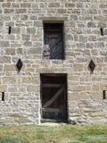 Steenmuur en Deuren Stock Foto