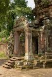Steenportiek in de tempelruïnes van Preah Khan stock afbeeldingen