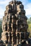 Steentoren met de gezichten van Boedha Stock Foto's