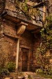 Steenvoorgevel in de Stegen van het Kleine Middeleeuwse Dorp van Bruniquel stock foto
