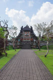 Steenweg aan tempelpoort Stock Foto