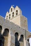 Steeple de l'église du Saintes-Maries-de-la-Mer photographie stock