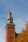 Steeple della città corridoio nello stile olandese di rinascita fotografia stock