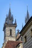 Steeples и шпили церков матери бога перед Tyn в Pra Стоковые Фотографии RF