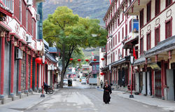 Steet в городке Songpan стоковые фото
