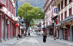Steet nella città di Songpan Fotografie Stock