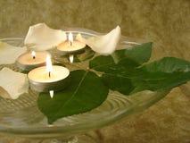 steg stearinljus petals Fotografering för Bildbyråer