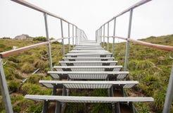 Stege eller stairchase i berget royaltyfria foton