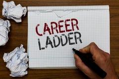 Stege för handskrifttextkarriär Begrepp betyda markören för man för Job Promotion Professional Progress Upward rörlighetsAchiever arkivfoton