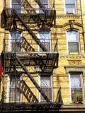 Stege för New York City brandflykt royaltyfri fotografi
