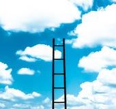 Stege och himmel Arkivbilder