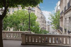 Stege på kullen Montmartre arkivbild