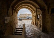 Stegen en straten van Malta valletta royalty-vrije stock fotografie